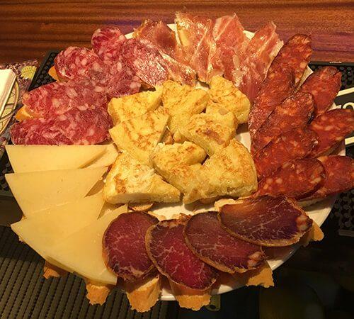 magníficos aperitivos para picar en castellana 113 lounge & bar